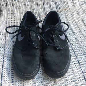 Nike Stefan Janowski skate shoes